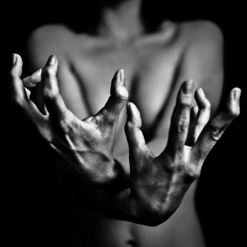 """B. Courti, """"Les mains"""""""