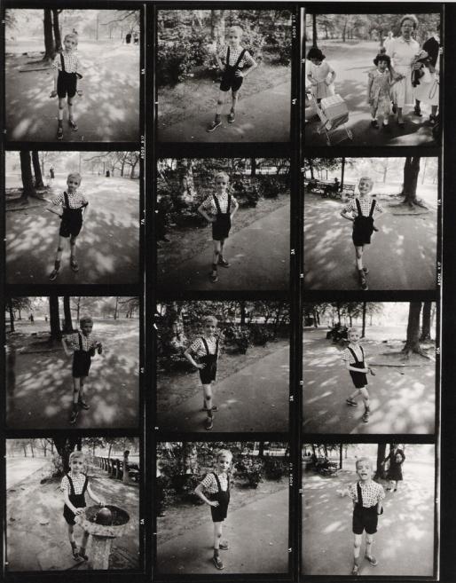 """D. Arbus, provini di """"Bambino con granata giocattolo a Central Park, N.Y., 1962"""""""